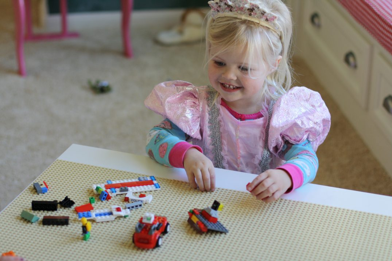 Ikea Hack: DIY Lego Table // Fancy Ashley
