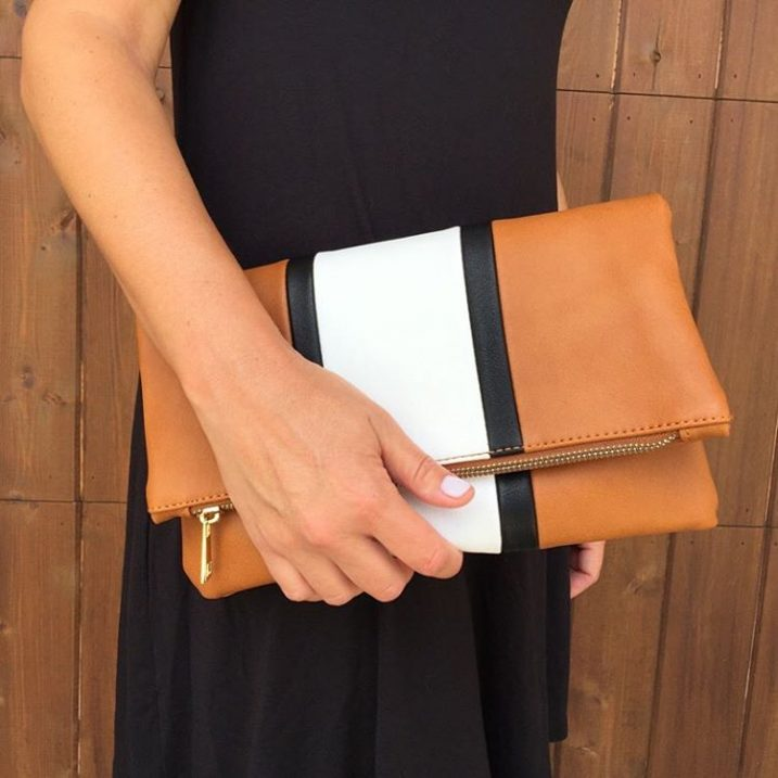 Super cute clutch alert and super deal alert!! This one is so great and at $25, hard to pass up. Also comes in black! Perfect for now and fall!Both cultures are linked here with @liketoknow.it or you can head to the Facebook page for direct links! http://liketk.it/2oWi3 @liketoknow.it #liketkit #ltkstyletip #ltkunder50 #ltkunder30
