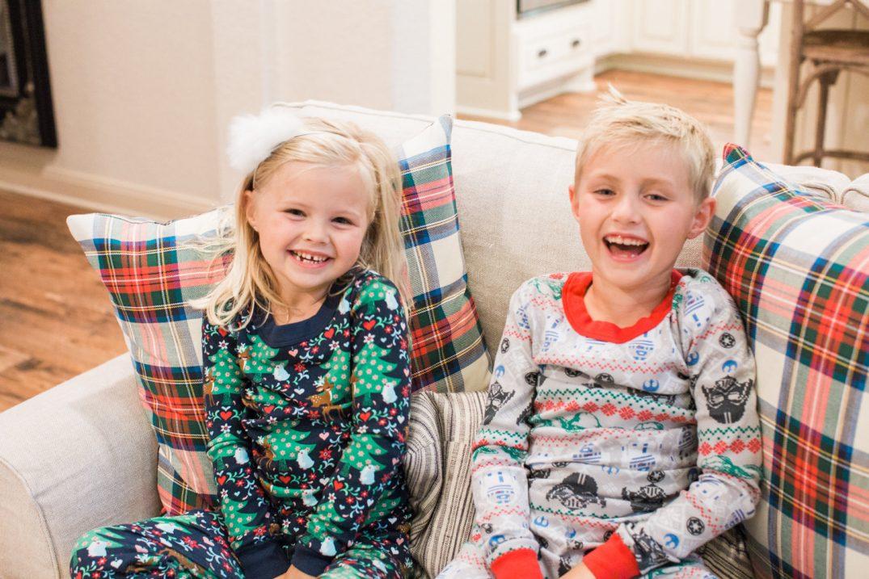 kids-holiday-pajamas