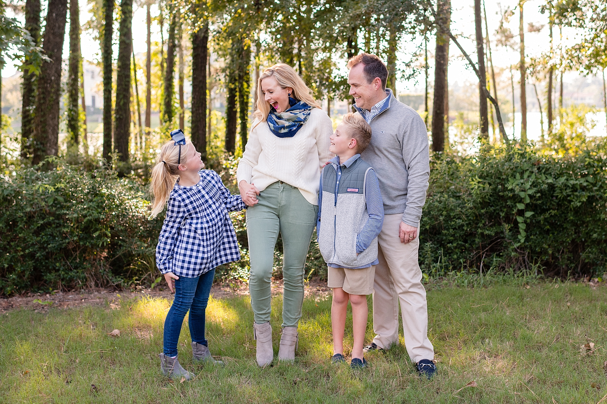 Cute Fall Family Photo Outfit Ideas featured by popular Houston life and style blogger, Fancy Ashley