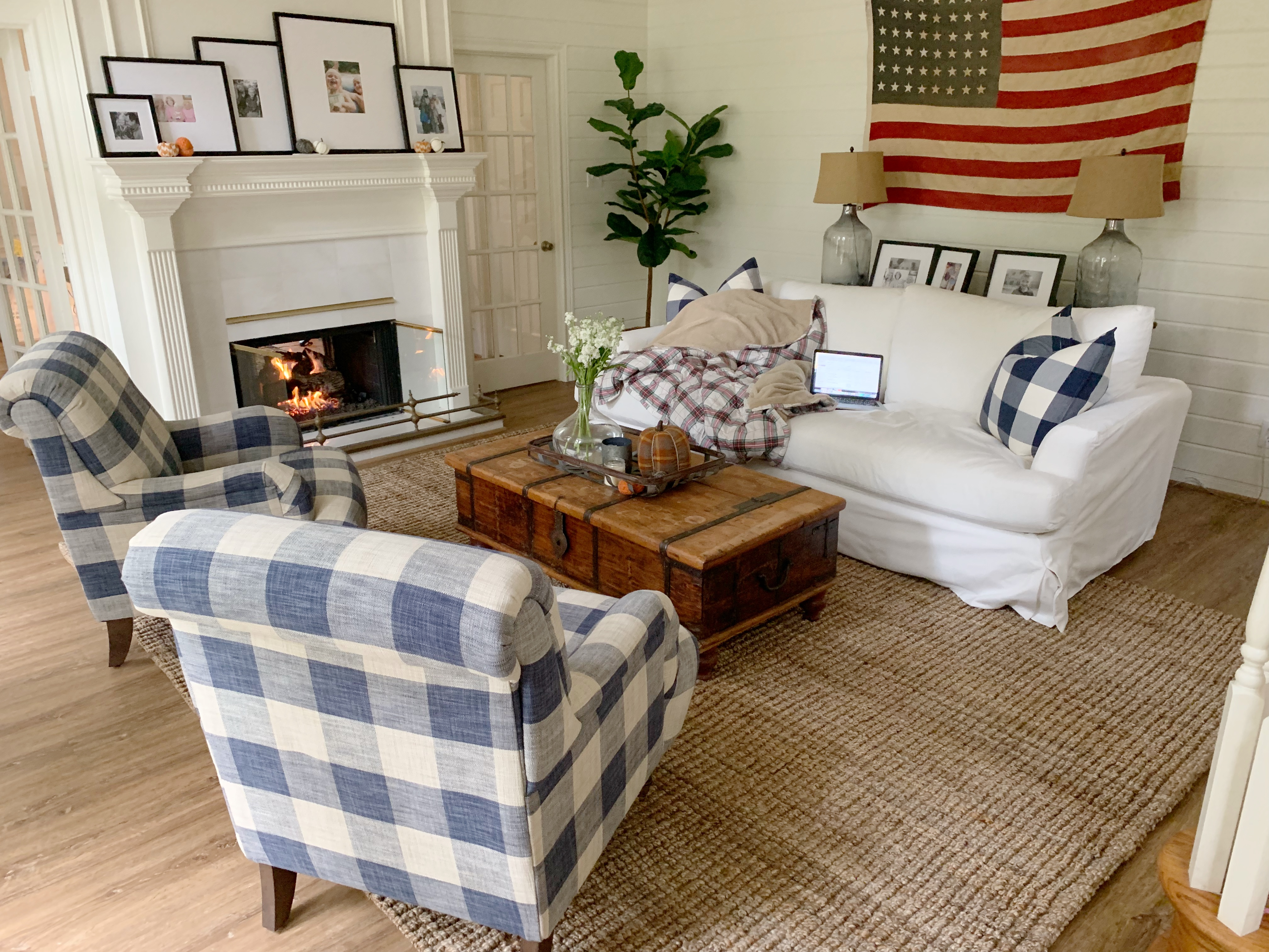Current Favorites featured by top life and style Houston blogger, Fancy Ashley: fall living room decor